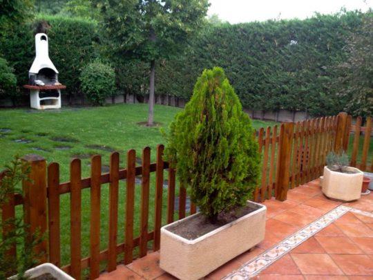 Valla de madera para jardín